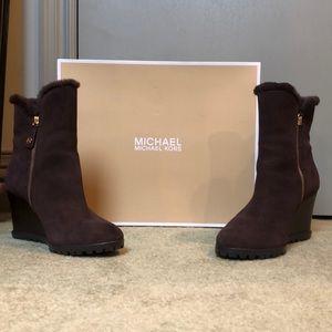 Michael Kors Whitaker Wedge Boot Coffee Size 9 FEM